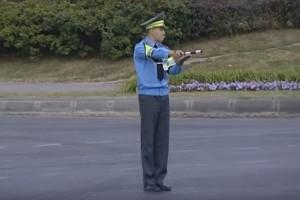 Арбитражник - как регулировщик на дороге, управляет трафиком